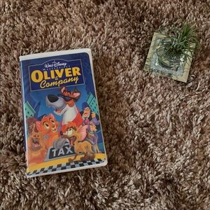 🎬 Oliver and Company VHS
